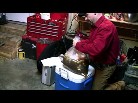 Brining & smoking a turkey with the Brinkmann Gourmet Electric Smoker