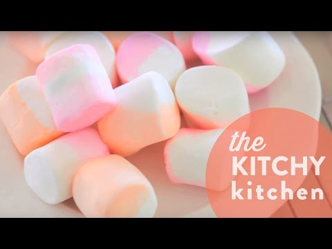 DIY Dip-Dyed Marshmallows // Living Deliciously