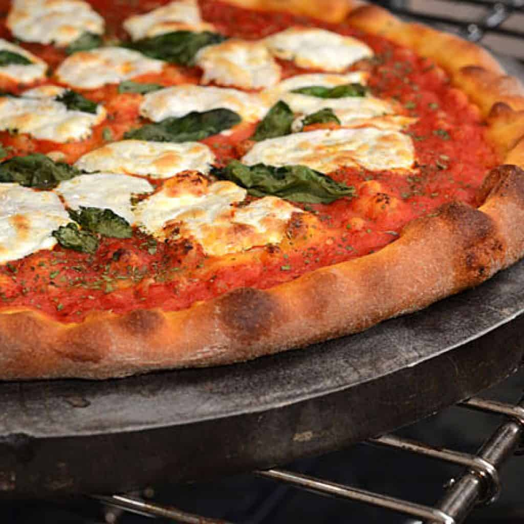 baking pizza in gas oven