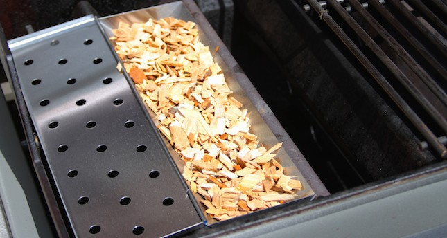gas smoker wood chips