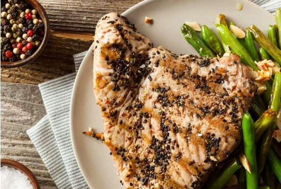 What to put with tuna steaks
