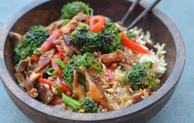 Stir fried vegetables with tuna steak