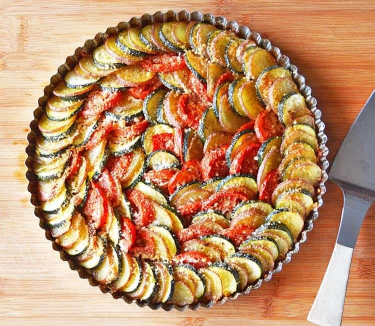 Zucchini tart in pie plate