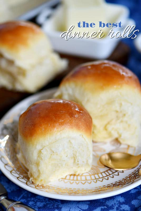 side of dinner rolls with beef stew