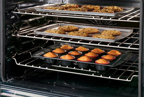 Baking goods in gas oven