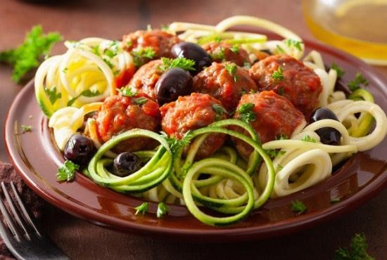 Keto meatballs with veggies