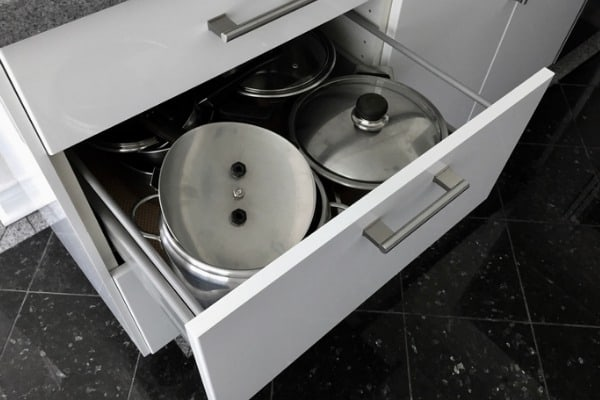stainless steel cookware risks