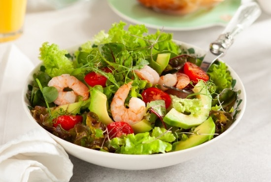 summer salad with shrim