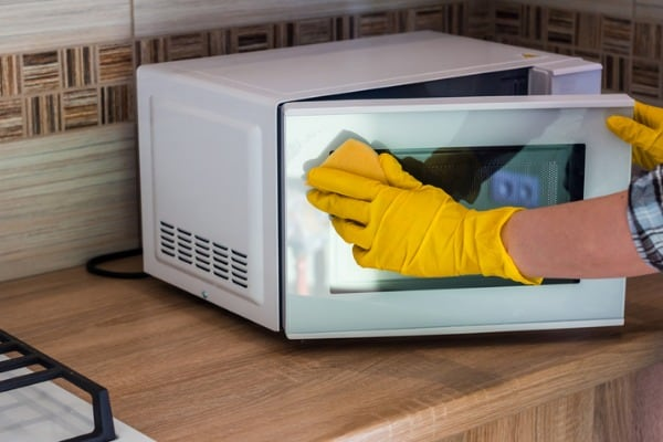 microwaves how to clean