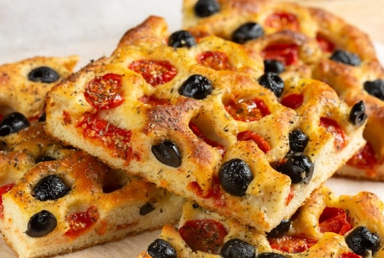 focaccia olives tomatoes