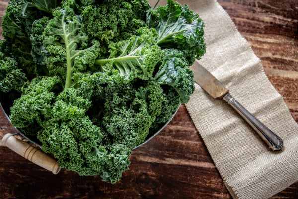kale salad to serve with chicken marbella