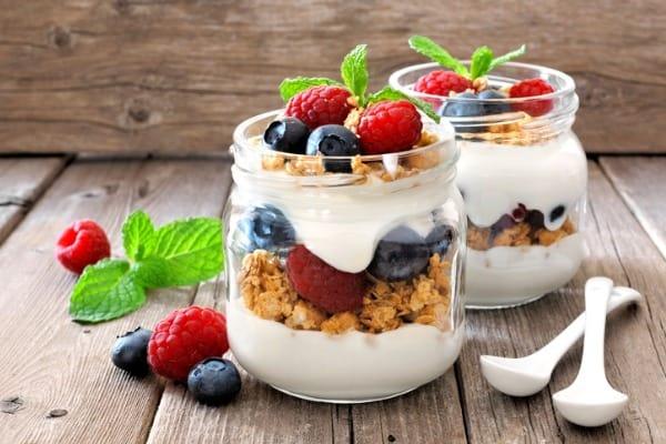 greek yogurt with fruits