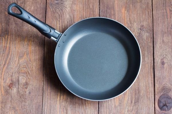 nonstick coated fry pan