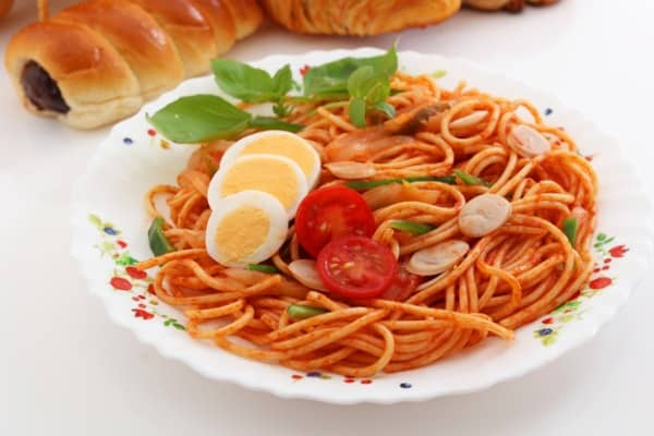spaghetti with egg