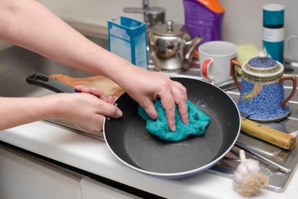 taking care of frying pan