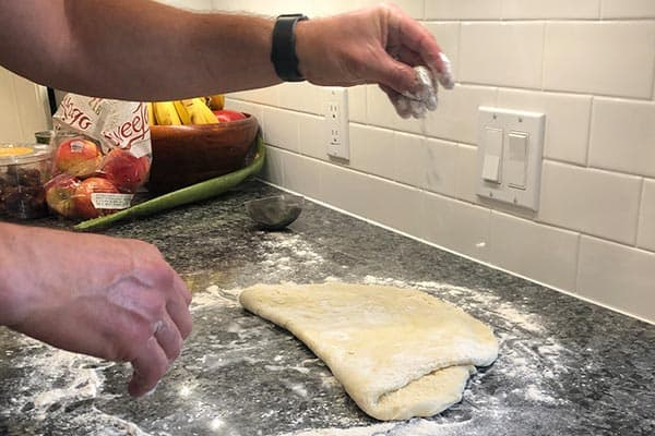 adding-flour-as-roll