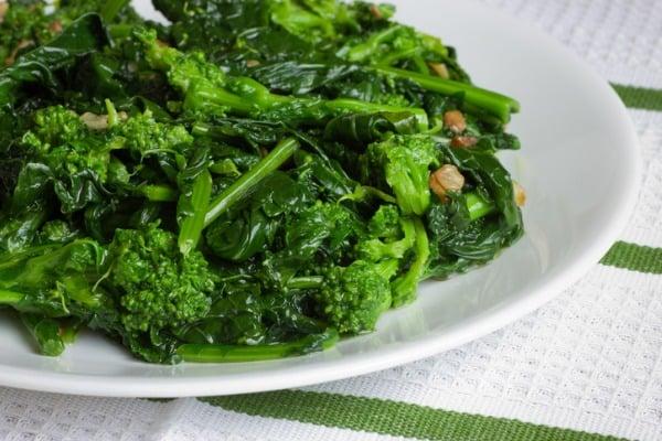 Crispy Roasted Broccoli Rabe