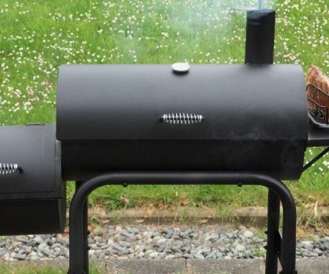 How to Use a Charcoal Smoker - Tips for a Better Feast