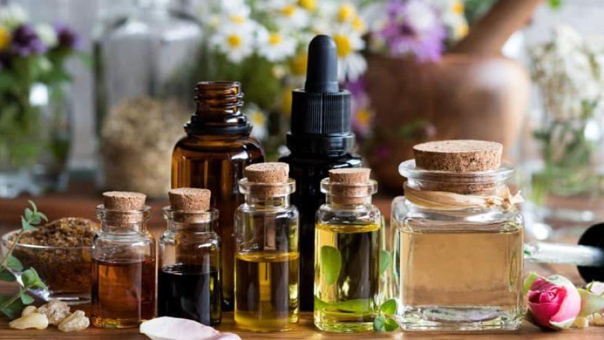 Essential Oils to Stop Bleeding
