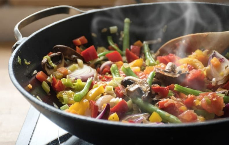 Saute Pan vs Wok: What Are the Main Differences?