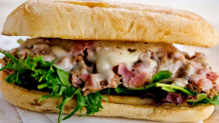 What to Put in a Roast Beef Sandwich