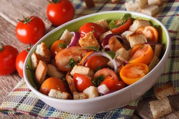 italian bread salad panzanella salad