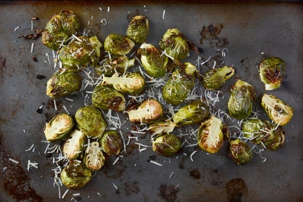 roasted-Brussels-spouts-on-pan